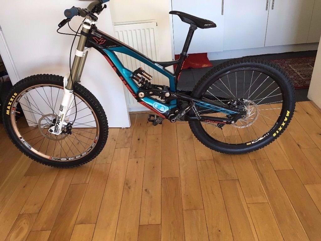 YT Tues 2.0 Pro Bike (2014- Medium Size)