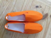'Flossy Style' Orange Slippers - New and Unused