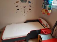 Lightning mcqueen toddler bed and matching toy box