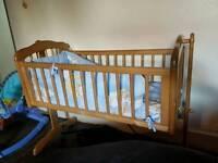 Baby cot / bed