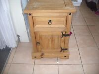 MEXICAN PINE BEDSIDE CABINET / UNIT