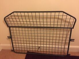 Dog Guard / Cage for Golf mk5