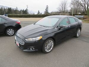 2013 Ford Fusion SE AWD, LEATHER, NAVIGATION!