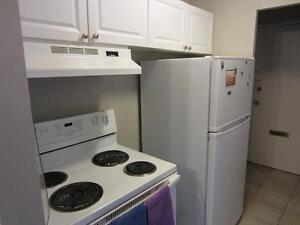 Ideal for London students! Secure bachelor apartment for rent
