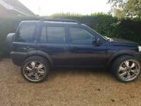Freelander with 22 inch alloys spares or repairs