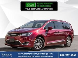 2017 Chrysler Pacifica TOURING L   CLEAN CARPROOF  