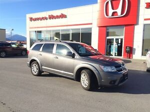 2013 Dodge Journey SXT Low KM, MP3 Decoder. Dual zone A/C. Rear