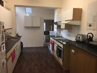 8 Bedroom Student House, Alma Rd, Avaliable 1st JULY 2017