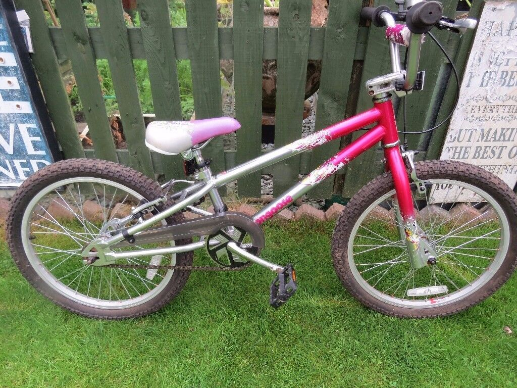 Girls BMX Bike Mongoose 'Blaze' girl's BMX bike. GREAT CONDITION FULLY WORKING READY TO RIDE