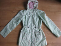 GIRLS LIGHT WEIGHT RAINCOAT age 12-13 IMMACULATE - Ideal for this weather!