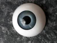 Full size modelling eyes.