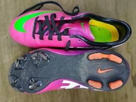 Nike girls football boots size 2.5