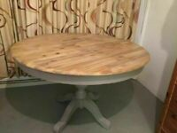 Round Pedestal Dining Table Seats 4-6 Solid and Sturdy Hardwood Table with 2 Drawers