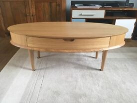 Oak coffee table with drawer / TV table unit in Excellent condition