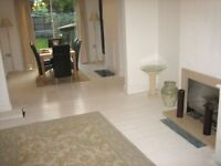 AMAZING 3 BEDROOM HOUSE WITH GARDEN & DRIVE NEAR ZONE 2 NIGHT TUBE, 24 HOUR BUSES, PARK &SHOPS