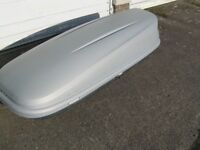 ROOF BOX ( HALFORDS )