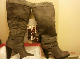 BARGAIN...Ladies high boots size 6 New. Still In Box.