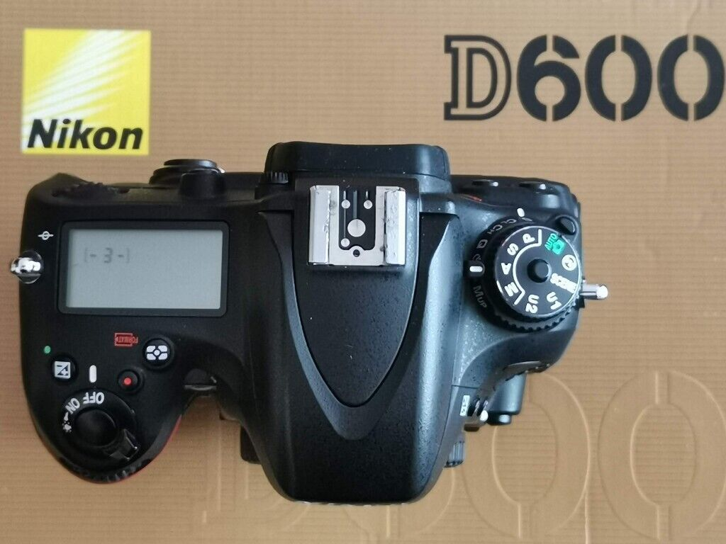 Nikon D600 DSLR camera with MB-D14 vertical grip | in Colchester, Essex |  Gumtree