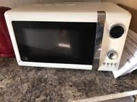 Microwave in cream 700w