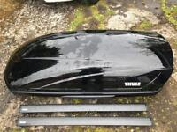 Thule motion m roof box/roofbox with Thule wingbars and Thule footpack 755