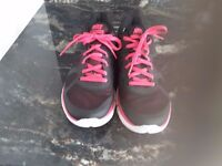 Nike Fitsole Flex 2014 Run - Pink and Black. Size 39