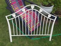 Bargain!! Stunning single cream metal bed