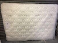King size 5 ft mattress new memory foam top