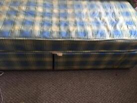 2x Divan Beds