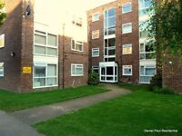 Superbly presented, this one double bedroom purpose built flat located on the third top floor is ...