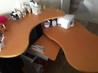 Nail desk & beauty couch