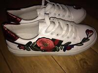 Embroidered floral Gucci trainers 5.5