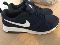 Mens Trainers - Nike Air - Size 10