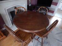 Circular Dining Table 40``diameter and 4 Chairs