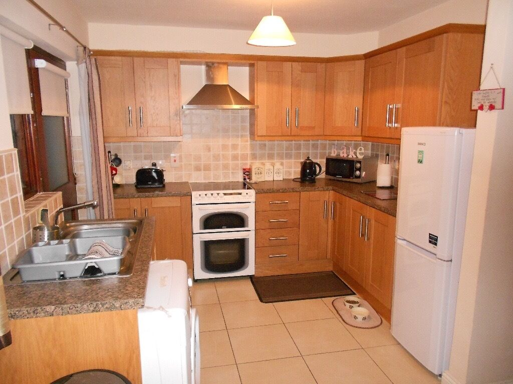 to let 2 bedroom house laurel park ahoghill , very tidy house | in