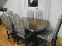 YOUNGERS TOLEDO DINING ROOM TABLE AND CHAIRS EXTENDABLE