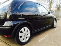 Black Vauxhall corsa! LOW MILAGE! Limited edition interior! Cheap insurance!