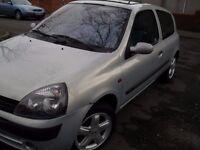 2002 Renault Clio 1.2 Super clean good spec 12 months MOT low mileage