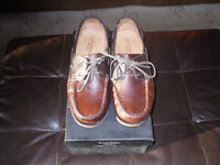 MENS SIZE 11 SAMUEL WINDSOR HAND MADE IN ENGLAND DECK SHOES, 100% LEATHER.