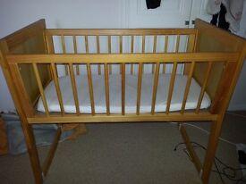 Rocking crib / small cot