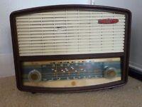 Vintage PYE P178A Valve Compact Table Radio