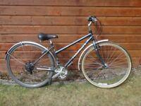 Ridgeback speed city bike, 27 inch wheels, 21 gears, 18 inch frame with mud guards