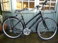 LADIES GIANT CRS 3 HYBRID/CITY CYCLE MEDIUM EX. CONDITION