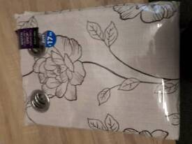 Fully lined eyelet curtains. Purple.