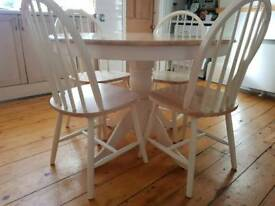 Rhode round natural wood white dinning table with 4 matching chairs
