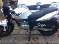 Sinnis stealth 125cc motorbike