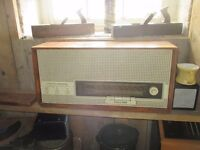 Halle 5120 Valve Radio in Good Working Condition