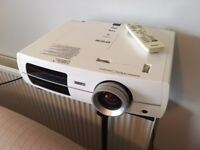 Epson EH-TW3200 Home Cinema Projector. Excellent condition, 2500 lamp hours left (746 used)