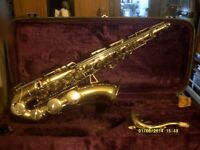 AN EXCELLENT TENOR SAXOPHONE OUTFIT , EUROPEAN i.e. NOT CHINESE or JAPANESE , PLAYS WELL.