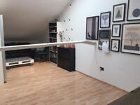 260 sq ft Office / Art Studio Space in a Converted Warehouse Creative Hub - Mile End / Westferry