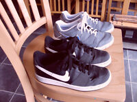 2 pairs of nike trainers vgc